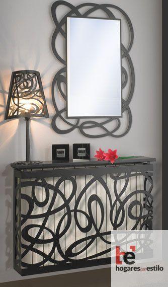 cubre radiador de forja con decoración de lazos entrelazados