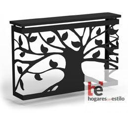 cubre radiador de forja de color negro decorado con un árbol con tronco, ramas y hojas negras