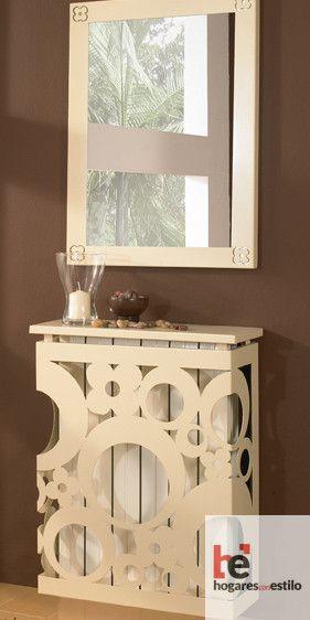 Cubre radiador de forja decorado con círculos y flores sencillas de color blanco