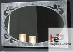 espejo de forja gris rectangular con el cristal circular y decoraciones en el marco